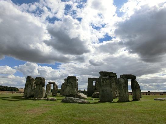 stonehenge-200578_640